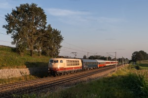 103 245-7 mit CNL 482 in Petershausen // 103 245-7 with CNL 482 in Petershausen