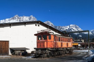 1245.533-3 (kalt) am Ringlokschuppen Saalfelden (AT) // 1245.533-3 (cold) at the roundhouse Saalfelden (AT)
